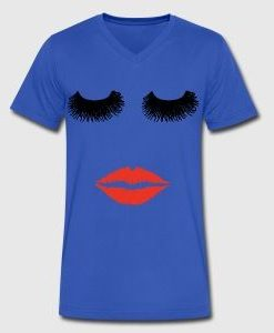 at this ladys sexy red lips and long eyelashes T-shirt ER01