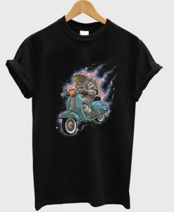 astronaut rides a scooter t-shirt YN21M0
